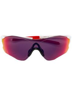 солнцезащитные очки в спортивном стиле Oakley