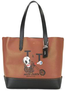 полукруглая сумка-тоут с принтом черепа Coach
