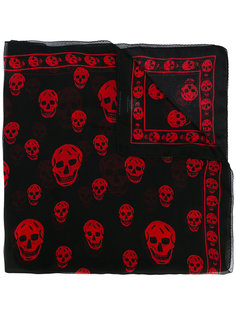 шарф с рисунком Skull Alexander McQueen