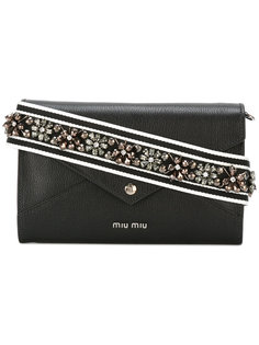 сумка-конверт с декорированной лямкой Miu Miu