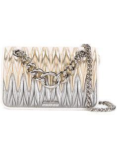 сумка на плечо с эффектом металлик Miu Miu
