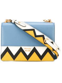 сумка на плечо с зигзагообразным узором Prada