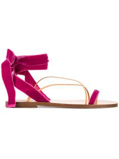 сандалии со шнуровкой Valentino Garavani  Valentino