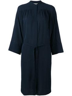 платье с поясом Vince