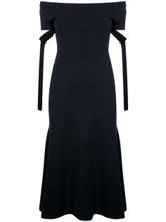 вязаное платье с открытыми плечами Goen.J