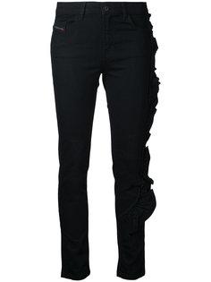 джинсы с отделкой оборками Diesel