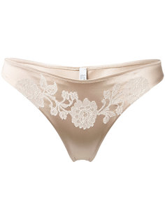 lacy classic thong Carine Gilson