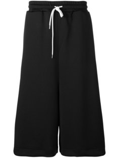 широкие шорты с полосками Maison Mihara Yasuhiro