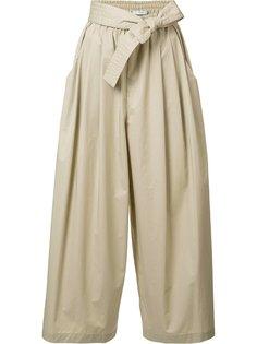 укороченные брюки со сборками Tome