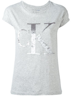 футболка с бархатным логотипом Calvin Klein Jeans