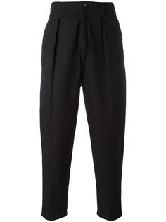 свободные брюки со складками Damir Doma