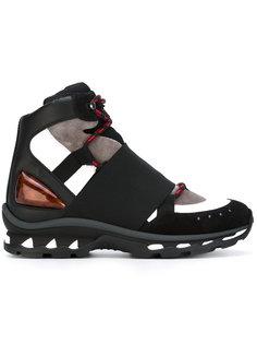 кроссовки с декоративными вырезами Givenchy
