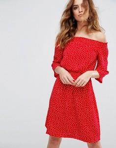 Платье с открытыми плечами Y.A.S Abby - Красный