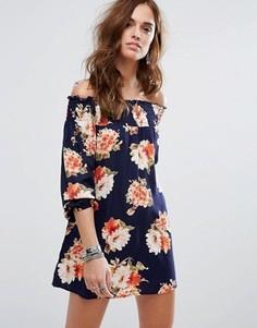 Свободное платье со спущенными плечами и цветочным принтом Band Of Gypsies - Темно-синий