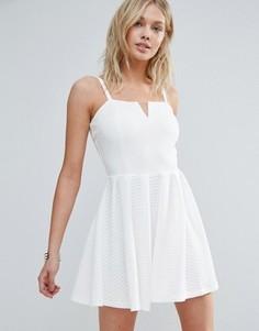 Короткое приталенное платье на бретелях Wal G - Белый