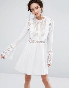 Платье с рукавами-колокол и лентами-завязками Endless Rose - Белый