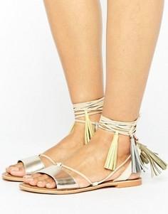 Золотистые кожаные сандалии с кисточками Glamorous - Золотой