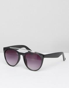 Солнцезащитные очки с планкой над переносицей Pieces Moba - Черный