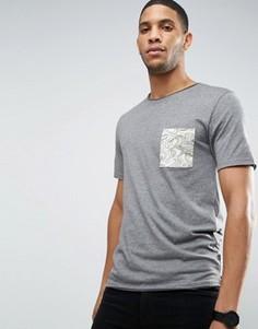 Футболка с контрастным принтом на кармане и необработанным краем Only & Sons - Серый