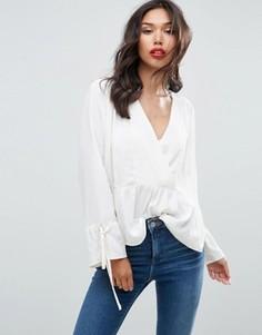 Oversize-блузка асимметричной длины с запахом ASOS - Кремовый