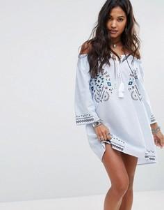 Свободное платье с открытыми плечами и вышивкой Boohoo - Синий