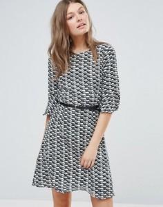 Короткое приталенное платье Sugarhill - Мульти