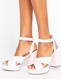 Босоножки на каблуке с платформой Miss Selfridge - Фиолетовый