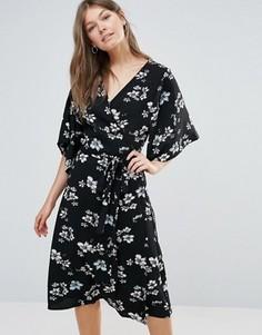 Платье в стиле бохо с запахом Sugarhill Boutique - Черный