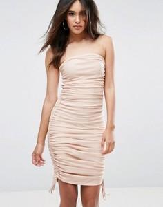 Присборенное облегающее платье бандо ASOS - Бежевый