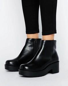 Массивные ботинки на низком каблуке London Rebel - Черный