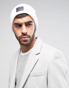 Белая шапка-бини с нашивкой ASOS - Белый