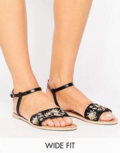Кожаные сандалии для широкой стопы с декоративной отделкой ASOS FIZZY - Черный