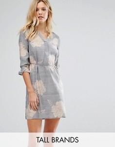 Цельнокройное платье с цветочным принтом Vero Moda Tall - Синий