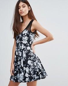 Короткое приталенное платье с цветочным принтом Zibi London - Черный
