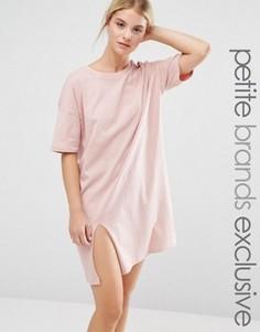 Свободное платье‑футболка с разрезом One Day Petite - Розовый