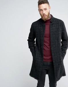 Серое фактурное пальто с необработанным краем ASOS - Серый