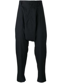 прямые брюки с заниженным шаговым швом Kolor
