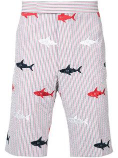 полосатые шорты с вышивкой акул Thom Browne