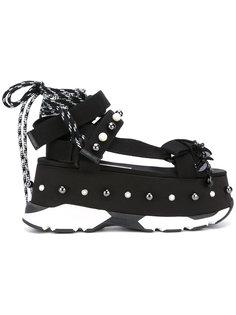 сандалии на шнуровке  Nº21
