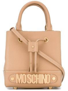 сумка через плечо с фирменной бляшкой Moschino
