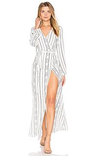 Платье с запахом и высоким разрезом - Stillwater