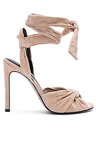 Туфли на каблуке delilah - KENDALL + KYLIE