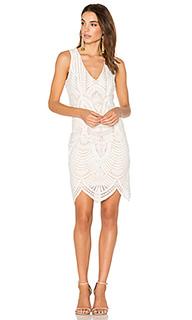 Кружевное платье с вышивкой - Bardot