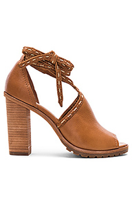Suzie pickstitch heel - Frye