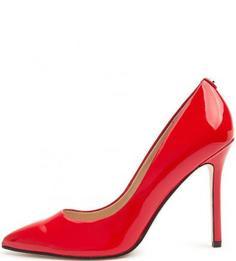 Красные лаковые туфли-лодочки на шпильке Guess