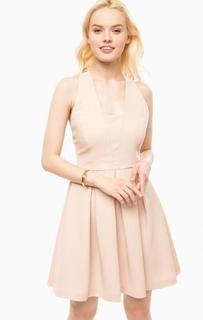 Приталенное бежевое платье с расклешенной юбкой Kocca