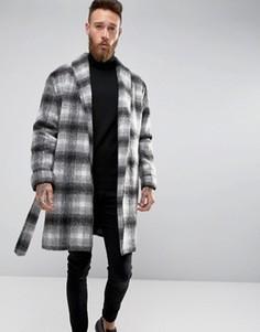 Пальто в черно-белую клетку с поясом ASOS - Черный