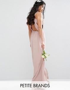 Платье макси с плиссировкой и открытой спиной TFNC Petite Wedding - Розовый
