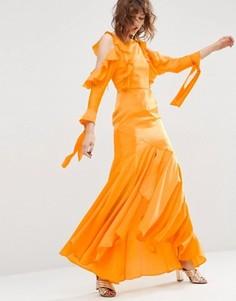 Платье макси с вырезами на плечах, длинными рукавами и рюшами ASOS - Оранжевый