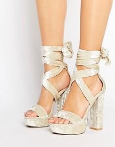 Бархатные сандалии на каблуке и платформе с завязкой Public Desire Adrina - Серый